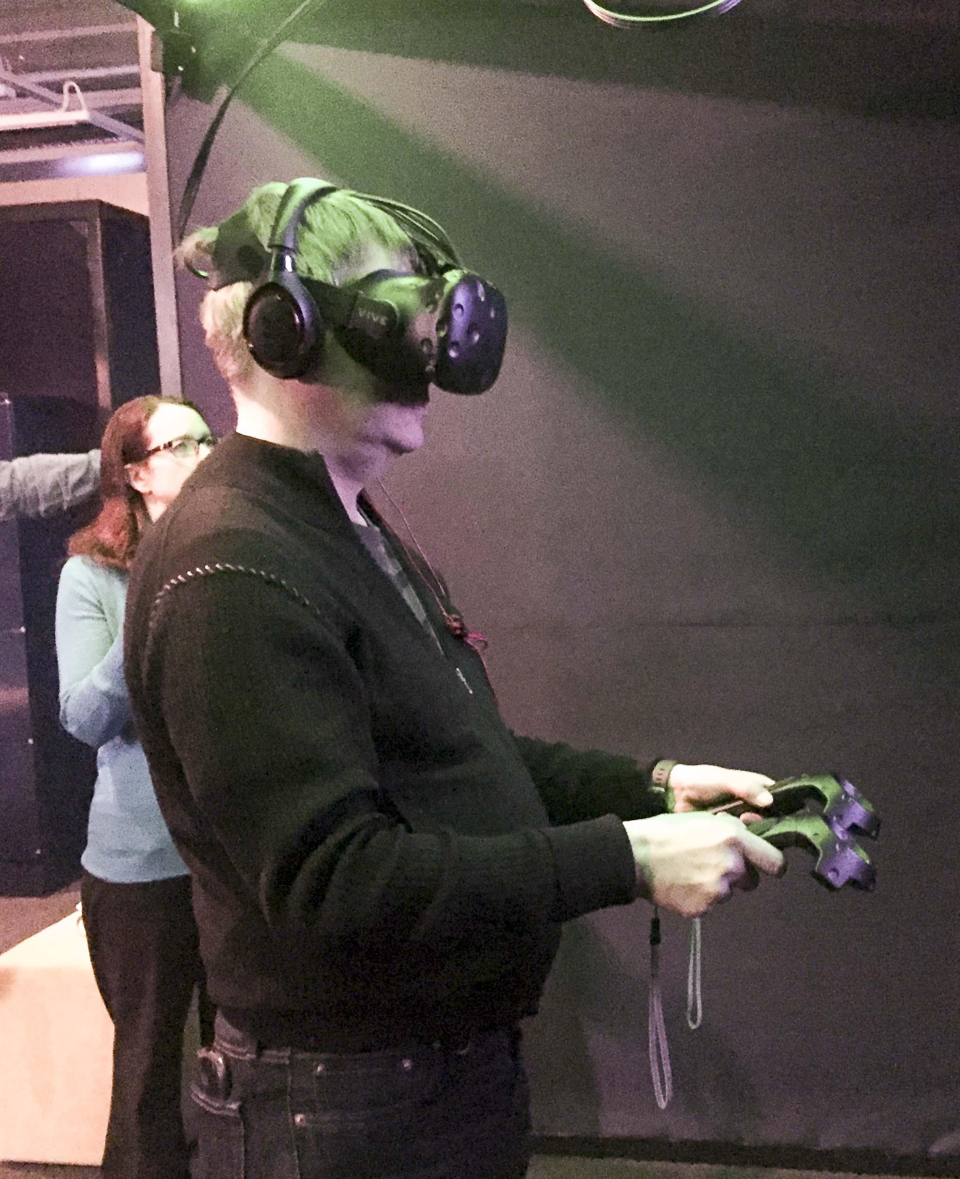 UX asiantauntija keskittyy VR:ään